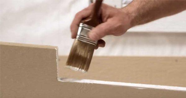 Важно соблюдать технологию. Покраска срезов и мест установки крепежа - один из ключевых моментов