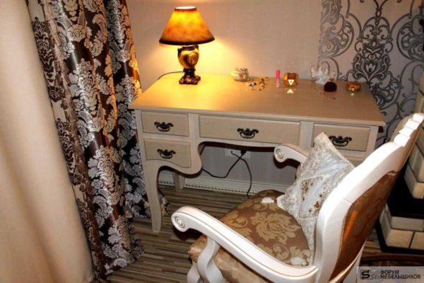 Будуарный столик - для спальни в классическом стиле