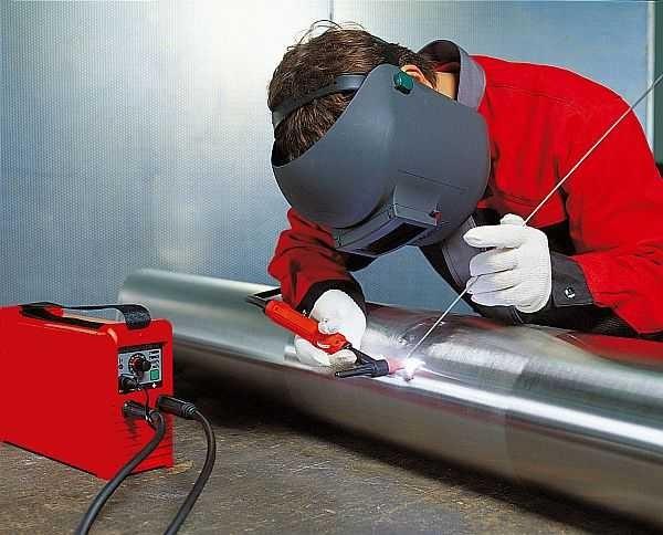 Работать сварным полуавтоматом несложно, а варить хорошо получается тонкие и цветные металлы
