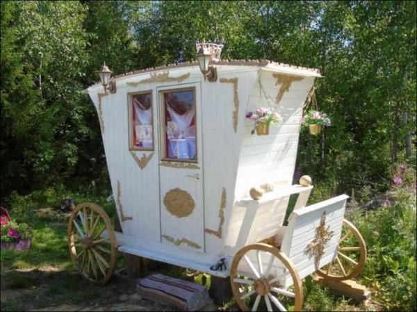 Уличный туалет-карета