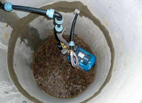 Важно выход водопроводной трубы их шахты колодца хорошо загерметизировать