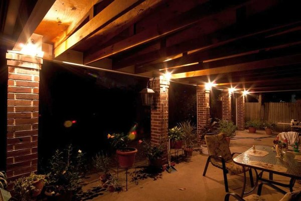 Светильники на колоннах - разумно и поятно