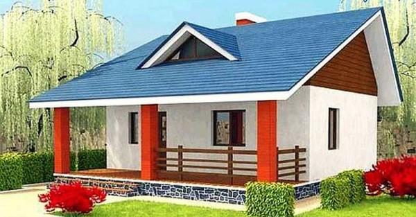 Небольшой дачный дом с мансардным этажом и верандой по фасаду