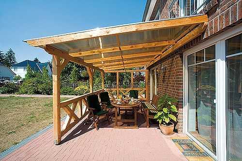 На этом фото открытая веранда к дому пристроена без фундамента - это, скорее летний навес