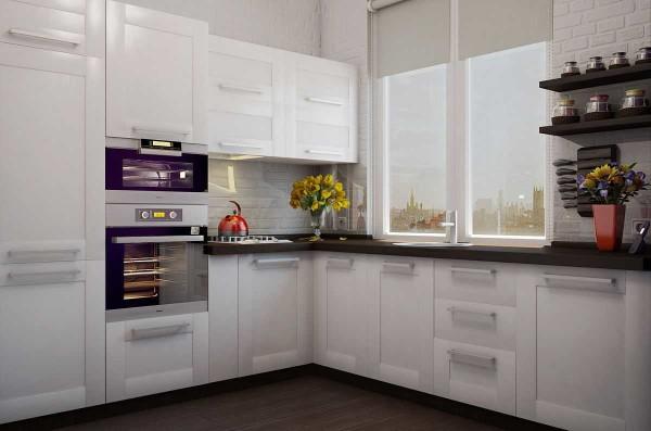 Рулонные шторы на окне - отличное решение для кухни маленькой площади