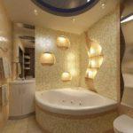 Обыграна форма ниш и свет, красивый дизайн ванной комнаты состоит из таких мелочей