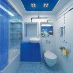 Голубой цвет в ванной комнате создает морское настроение