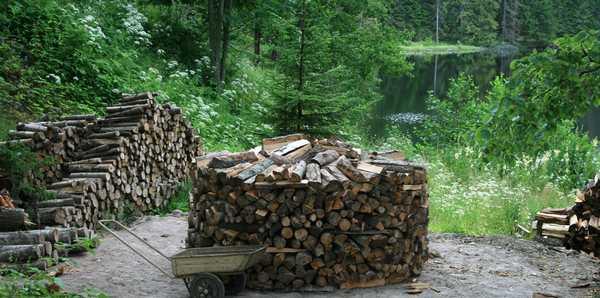 Круглые поленницы для сушки дров