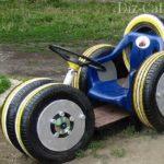 Детский гоночный автомобиль из шин подойдет и для площадки детского сада