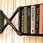 Такая вот интересная вариация книжной полки из труб