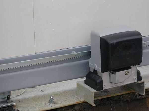 Внешний вид привода для автоматических откатных ворот