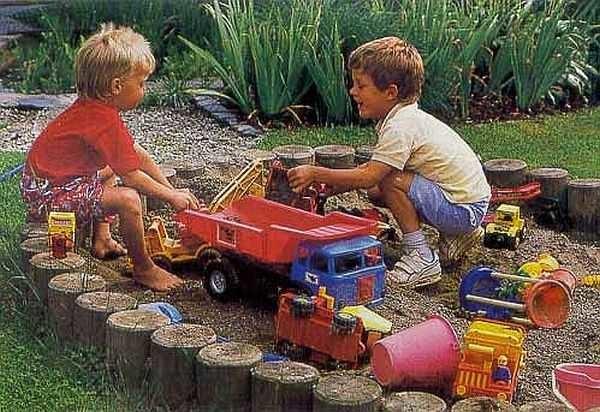 Детский уголок на даче должен быть безопасным