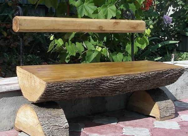 Скамейка из бревна - быстро и просто