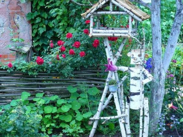 Одни из примеров сада в деревенском стиле