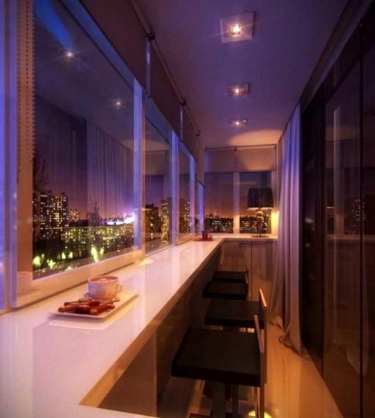Сделать на балконе или лоджии столовую зону несложно - широкий подоконник под рамами остекления, высокие стулья, соответствующее освещение