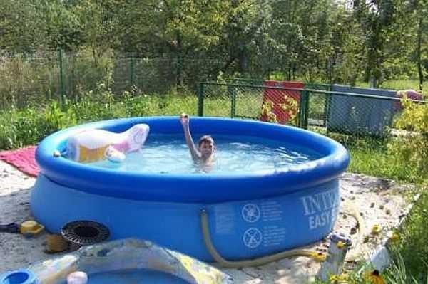 Надувной бассейн - для детей отличный вариант