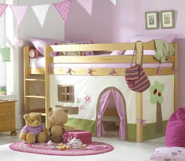Девичий вариант двухэтажной кровати