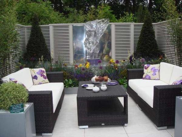 Плетеная садовая мебель для оформления в стиле модерн