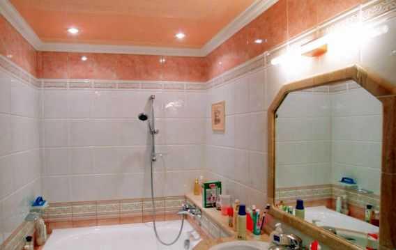 """Ванная с розовой отделкой. Главное - """"поймать"""" тон"""