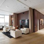 Современный стиль тоже сочетается с натяжными потолками