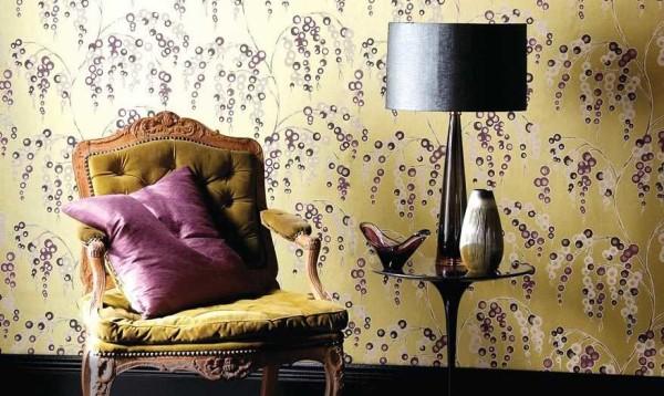 Подбирают мебель и текстиль в тон цветам и/или фону