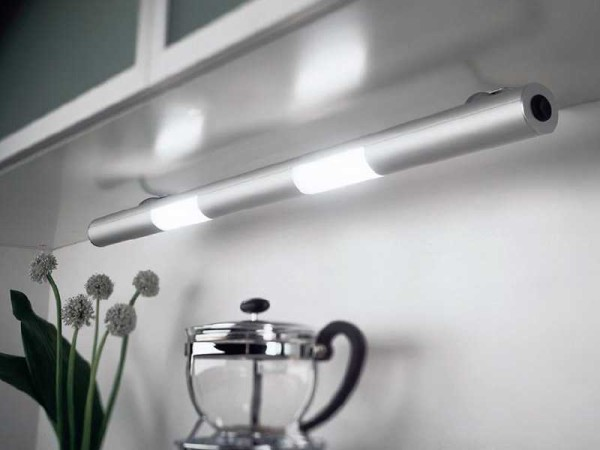 Хорошая освещенность и линейные размеры - преимущества ламп дневного света