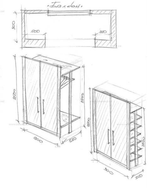 Разной глубины и с различным наполнением (с двух сторон балкона)