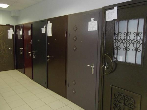 Некоторые виды стальных входных дверей