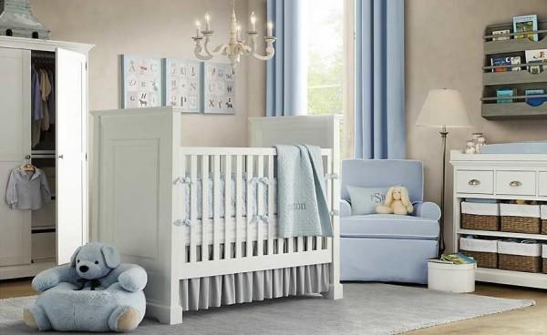 Стены в комнате новорожденного лучше оклеить обоями на бумажной основе или покрасить водоэмульсионной краской