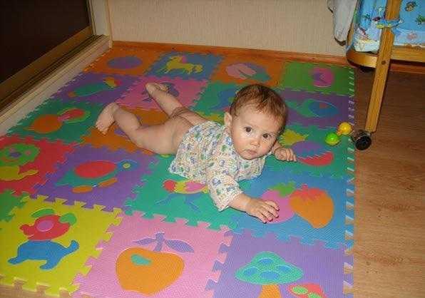 Деткам на модульном полу нехолодно