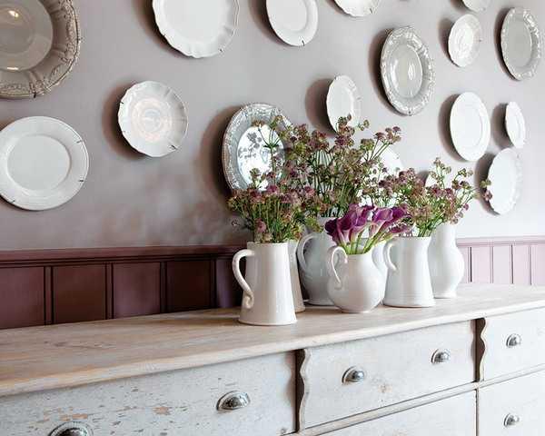 Тарелки на стене - и приятно вспомнить о путешествиях и красиво