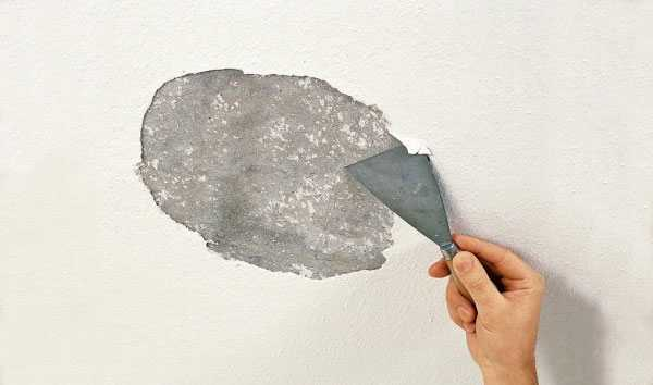 Удаление старой краски - длительный процесс