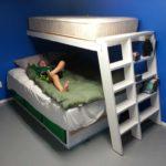 Внизу установили еще одну кровать