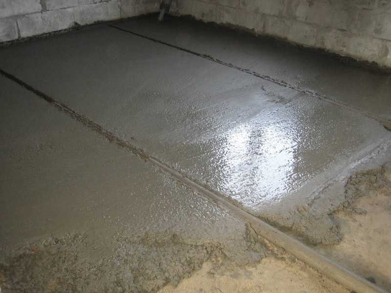 Заливка пола цементным раствором в гараже сколько цемента и гравия нужно для 1 куба бетона