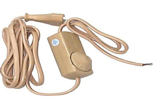 Диммер на шнуре можно установить на любую настольную лампу, бра, торшер (с лампой накаливания)