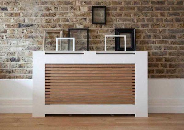 Вариант оформления решетки на радиаторы отопления в современном стиле
