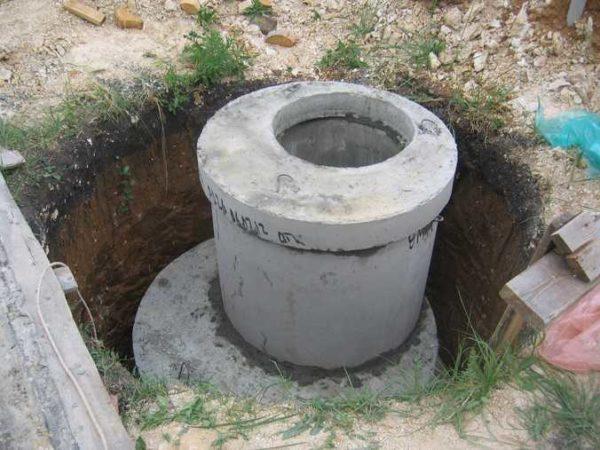 Сборная горловина из кольца малого диаметра и перекрытия