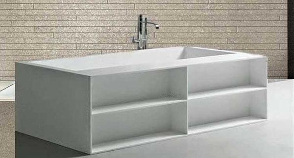 Функциональный экран для ванной с полочками