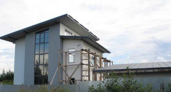 Дом с односкатной крышей - отделка почти закончена