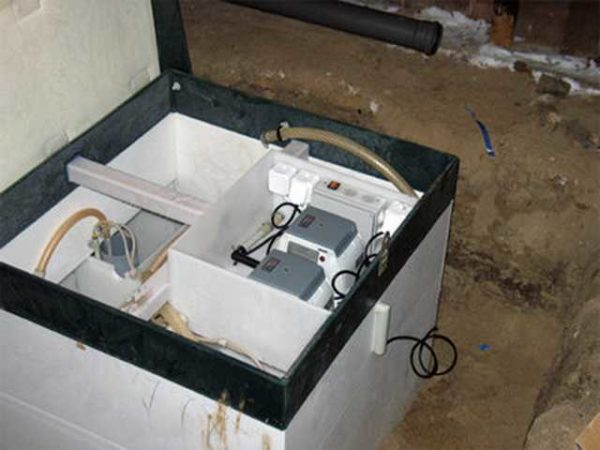 Примерно так выглядят установки для автономной канализации частного дома