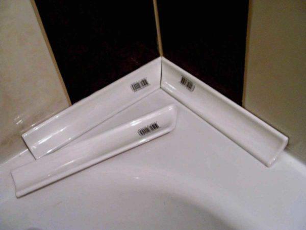 Керамический плинтус для ванны может быть и таким