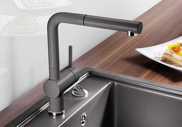 Если вы выбрали керамический смеситель для кухни, придется быть очень осторожным