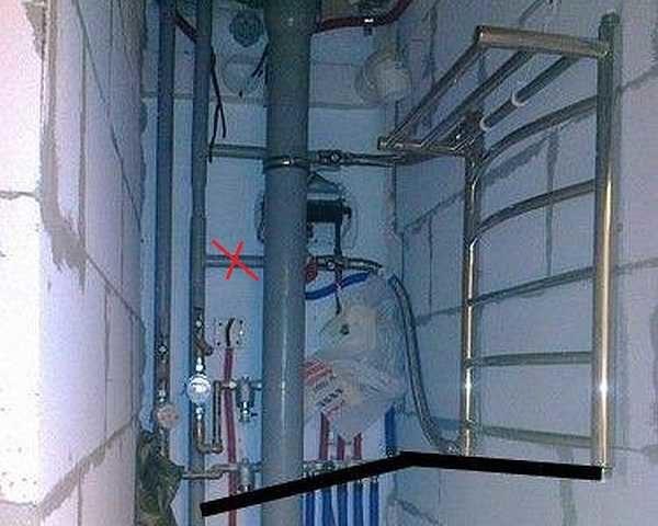 При боковом подключении полотенцесушитель будет работать только если отводы находятся чуть выше и чуть ниже его входов или хотя-бы на одном уровне