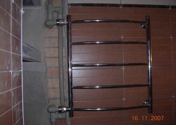 Установка полотенцесушителя с разводкой полоипропиленовыми трубами