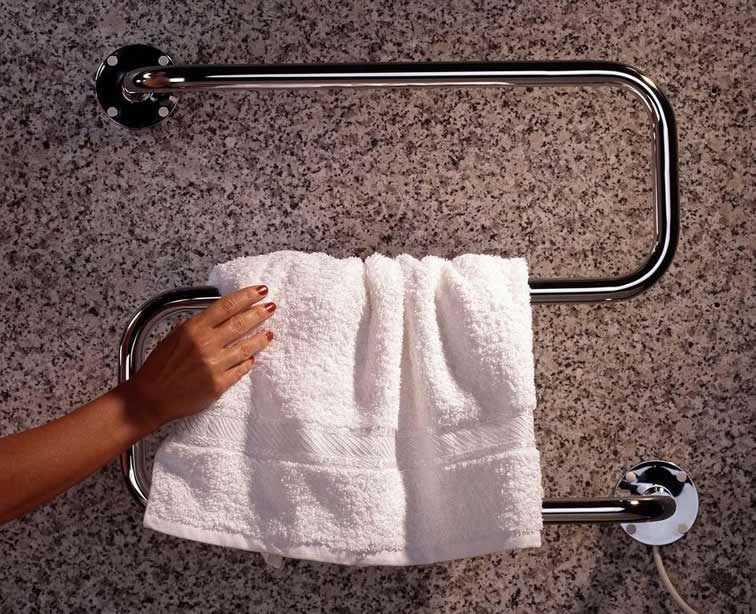 Полотенцесушитель в ванной - удобная штука
