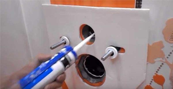 Установка прокладки и обмазка силиконом