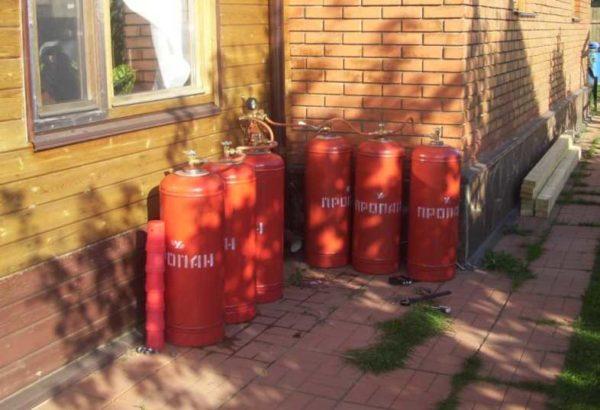 Газ может быть в баллонах
