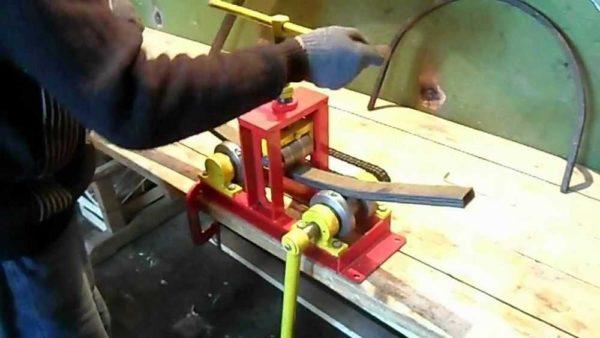Трубогиб для профильной трубы своими руками можно сделать разных размеров