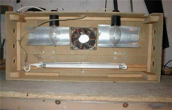 При использовании ламп накаливания для освещения аквариума, необходимо позаботиться об отводе тепла
