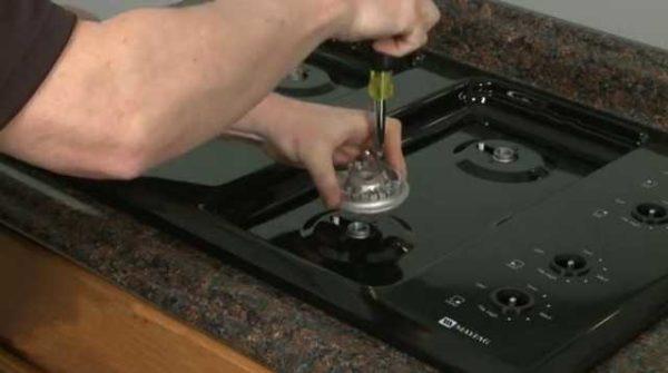 Отремонтировать варочную газовую поверхность можно самостоятельно